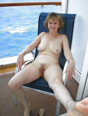 Amateur Mature Sexy Wives 48 - 932..