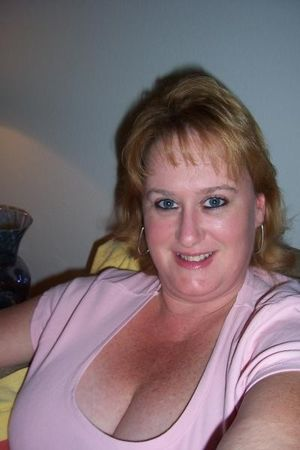 saggy matures cleavage 70 more..