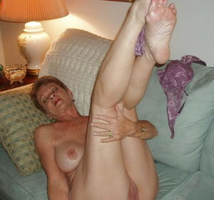 Amateurs Matures Grannies Housewives 3..