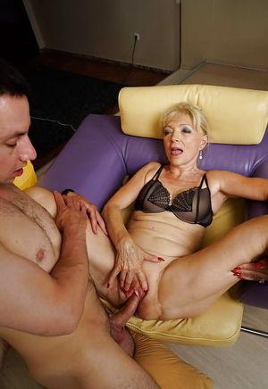 Amateurs Matures Milfs Housewives 73 -..