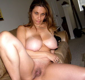 hairy-mature-wives-wet-pussy