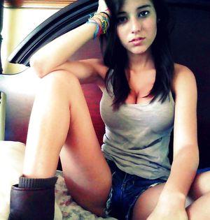 amateur latina posing (non-nude) -..