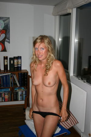 Download Sex Pics Blonde Wife Nude And..