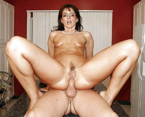 Mature Anal Queens - 38 Pics -..