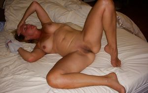 Mature amateur wife bucket Mom xxx..