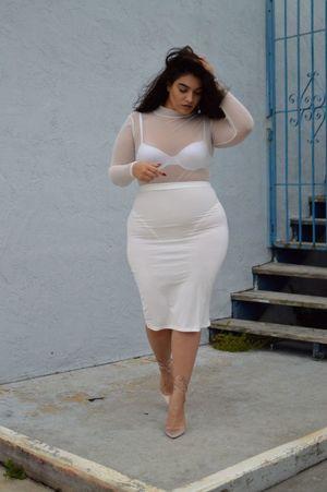 Plus Size Fashion - Nadia Aboulhosn..