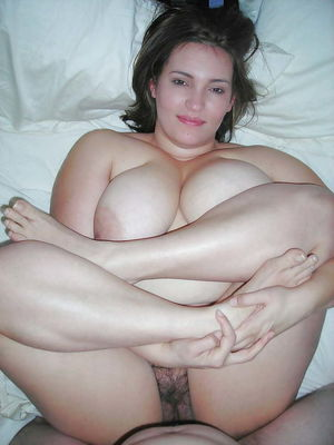 Curvy and Thick Amateurs 1 - 60 Pics -..