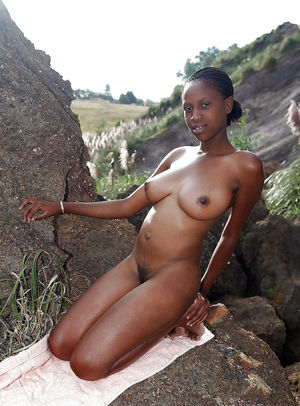 Nasty Ebony Girl Madly Displays Her..