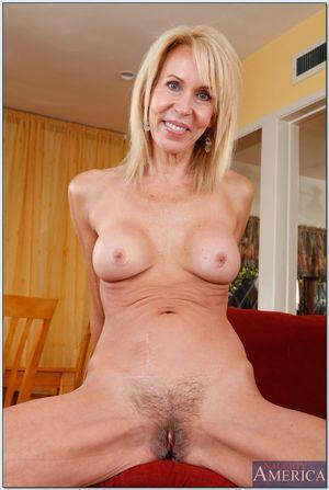 Hot granny Erica Lauren showing you..