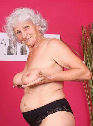 Old female pussy - Lapujada
