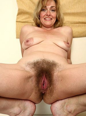50 Year Old Woman Hairy Pussy -..