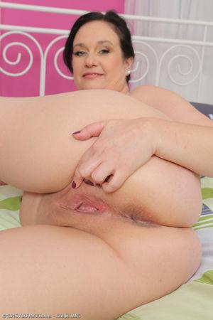 Beautiful mature Ria Black sheds lace..