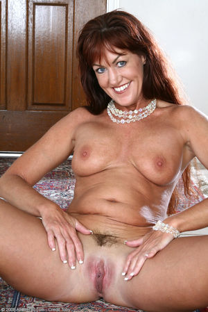 Elegant Mature Nudes High Quality..