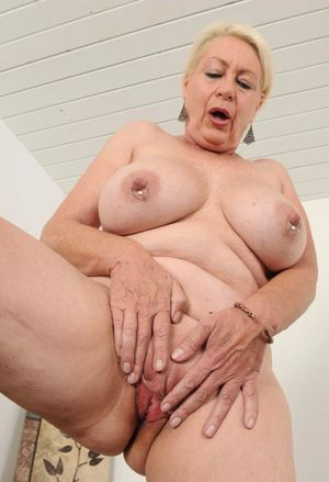 Gallery: Mature lovers -..