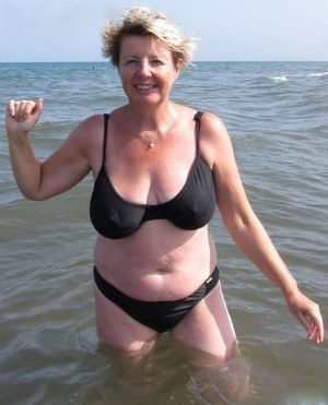 Mature Women In Bikini NN (Mix) 6..