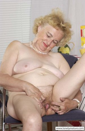 Lonely Mature - Where Older Housewives..