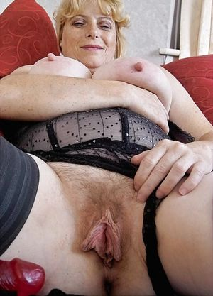 Mom's loose pussy #3 - 41 Pics -..