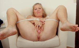 mature old pussy wide openold granny..