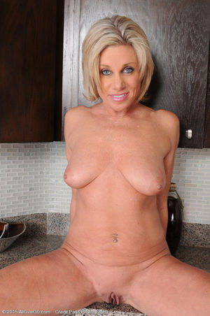 Hot Naked Women Over 60 Years Old \..