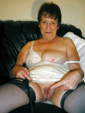 Showing Xxx Images for Big wet granny..