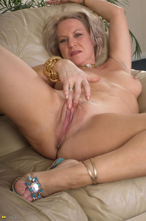 Free over 50 amateur milf - New porn