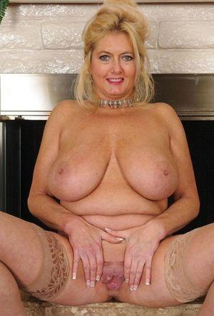 Sexy Big Tits Hannah Owens -..