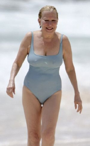 Bette Midler Height Weight Bio Hot..