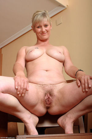 Big mature mom hairy pussy - Ehotpics