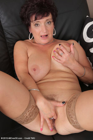Porn pics of Watch 52 year old Jessica..