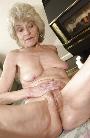 Grey haired pussy Granny Torrie - 36..