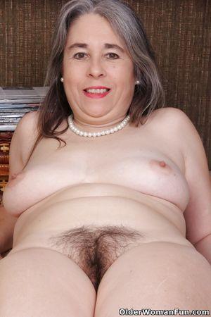 45 year old American milf Kelli from..