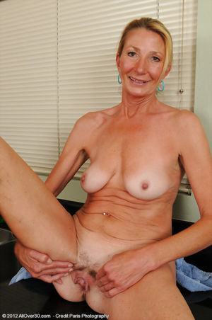 Free Mom Pic - 15 - Horny old 56 year..