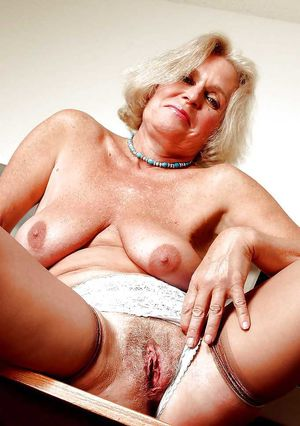MATURE AND GRANNIES 61