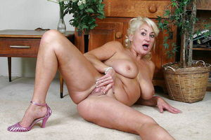 Sexy milfs free galleries - Other