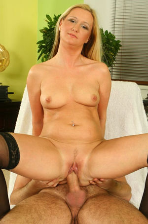 Mature milf granny mom wife - Upicsz