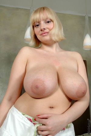 Fat Blonde Sophie Mei with Large..