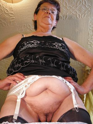 Granny Old Mature - Beach Pussy