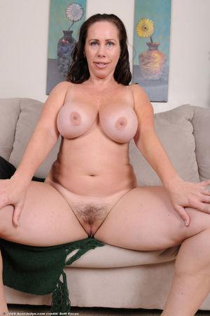 Hd plump mature - Nude gallery