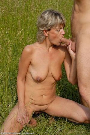 Miss cassie britney spears cum trainer..