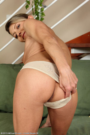 Syndi Bell - tiny-titted older lady..
