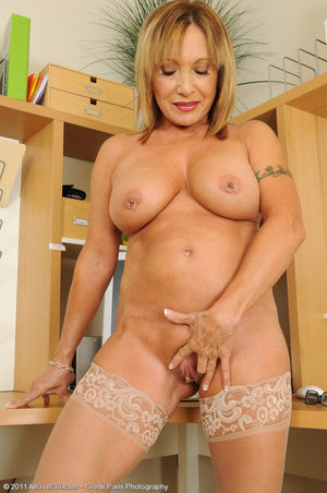 Mature 40 years old pussy - Other -..