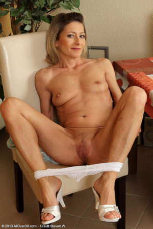 Petite 45 year old Syndi Bell from..