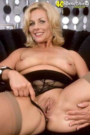 Mature women pussy - Naked Images