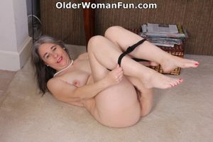 45 year old American milf Kelli strips..