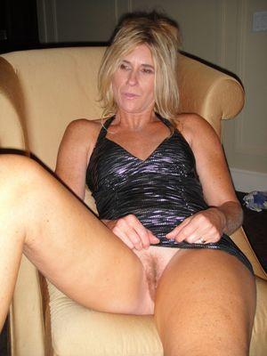 Pussy mature 40 years - MILF