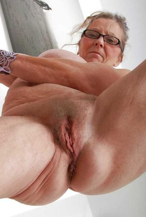 MATURE AND GRANNIES 55