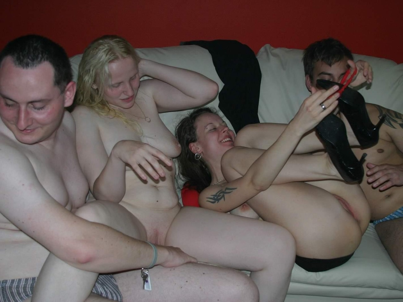 Free outdoors nude swingers club