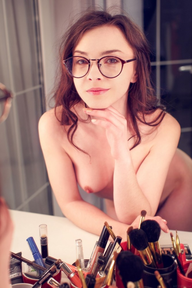 Sexy Naked Girl In Glasses Is Sucking The Big Dick