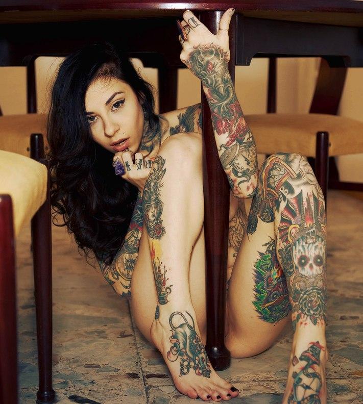 Nude tattoo girl pics