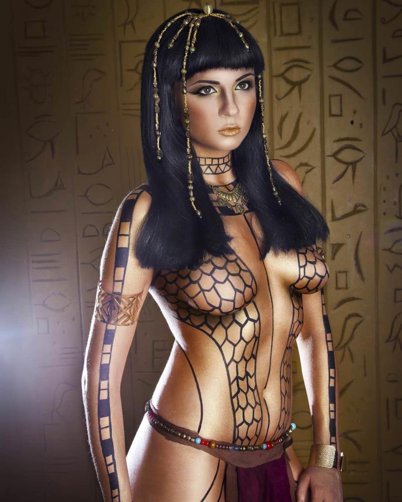 Chanel Iman Wears Mummy